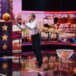 Becker gegen Pocher - Oliver Pocher beim Spiel Basketball