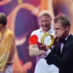 Becker gegen Pocher - Oliver Pocher beim Spiel Laut blasen