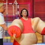 Becker gegen Pocher - Lilly Becker im Kostüm beim Spiel Fettes Quiz
