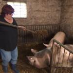 Bauer sucht Frau 2013 - Folge 2 - Angie im Schweinestall