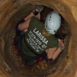 Dschungelcamp 2014 – Dschungelprüfung 2 – Larissa auf dem Weg in die Höhle