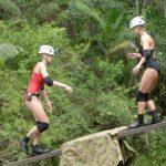 Dschungelcamp Tag 14 - Dschungelprüfung - Melanie und Tanja auf der Wippe