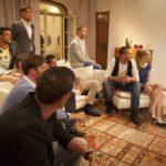 Die Bachelorette 2014 - Anna und die Jungs im Wohnzimmer