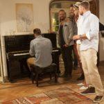 Die Bachelorette 2014 - Andreas spielt am Piano