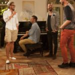 Die Bachelorette 2014 - Die Jungs amüsieren sich im Wohnzimmer