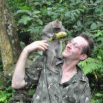 Schwiegertochter gesucht 2014 - Michael mit einem kleinen Affen