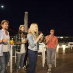 Die Bachelorette 2014 - Anna mit dem Jungs auf einer Karaoke Party