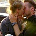 Die Bachelorette 2014 - Halbfinale - Anna und Marvin küssen sich