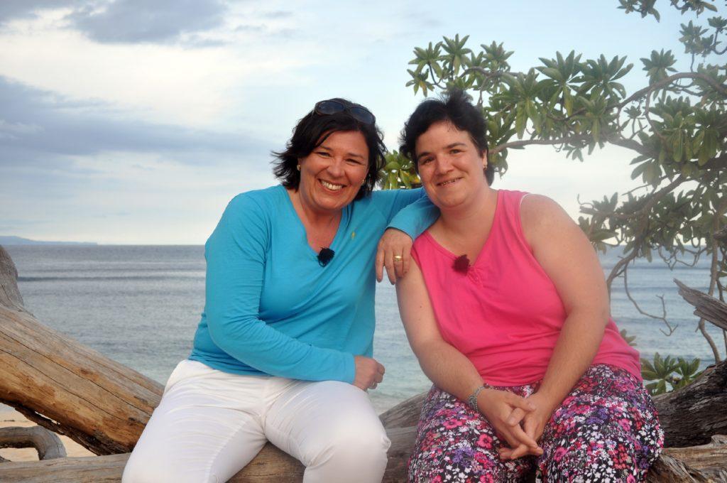 Nachdem Beate (r.) im letzten Jahr in Alaska ihr Liebesglück nicht finden konnte, wagt sich Vera Int-Veen für Beate diesmal sogar bis nach Indonesien.