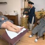 Schwiegertochter gesucht 2014 Finale - Beate bekommt eine Waxing-Behandlung