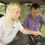Bauer sucht Frau 2014 - Rainer zeigt Heike seinen Traktor