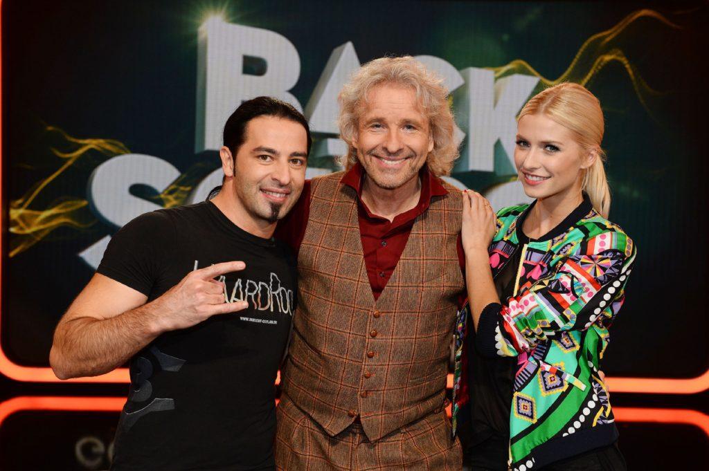 Gemeinsam mit Lena Gercke und Bülent Ceylan blickt Moderator Thomas Gottschalk (M.) zurück auf deren Schulzeit.