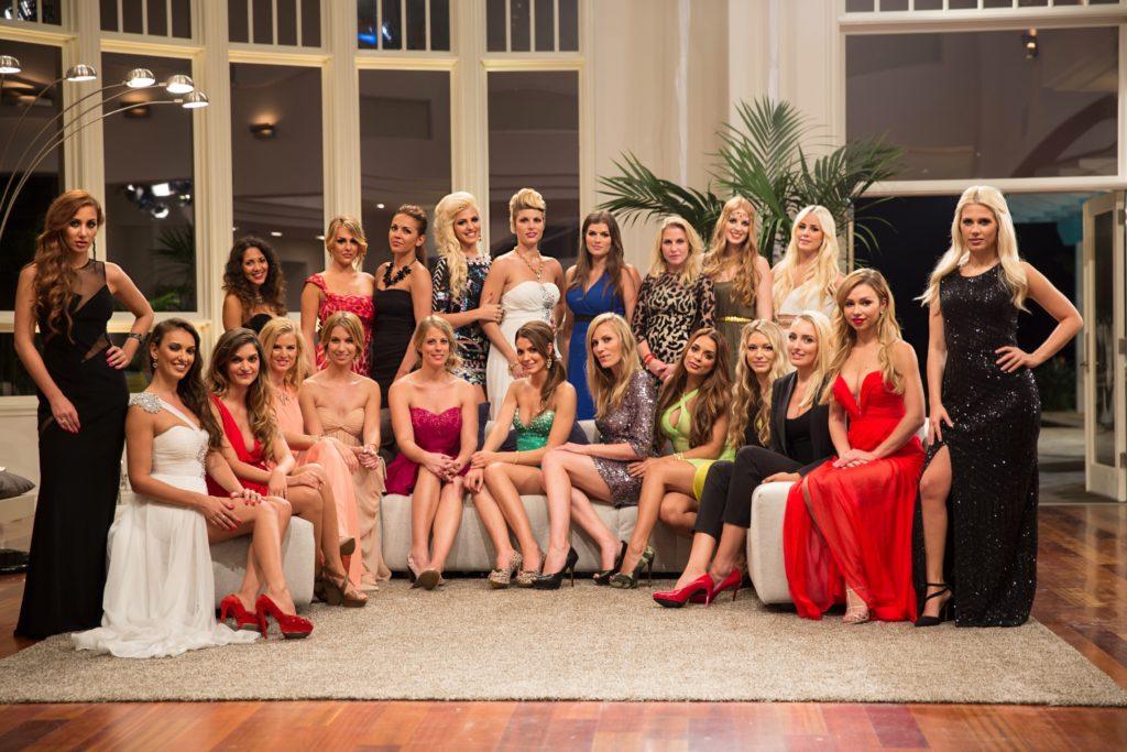 In der ersten Nacht der Rosen treffen 22 Ladies auf den Bachelor. Wer wird sein Herz erobern?