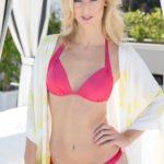 Der Bachelor 2015 Kandidatinnen in Bikini-Outfits - Nicola