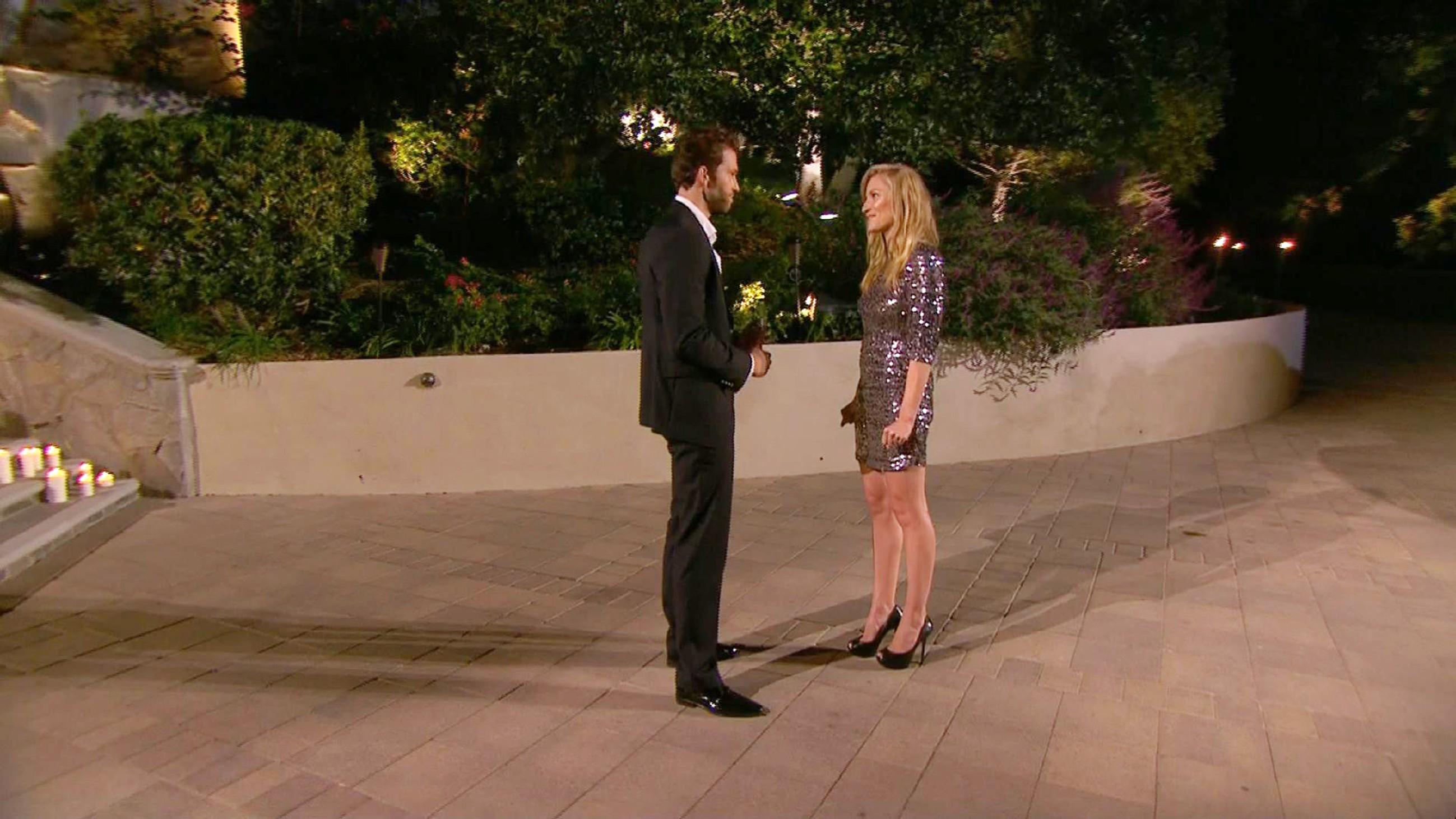 Der Bachelor 2015 - Folge 1 - Karina