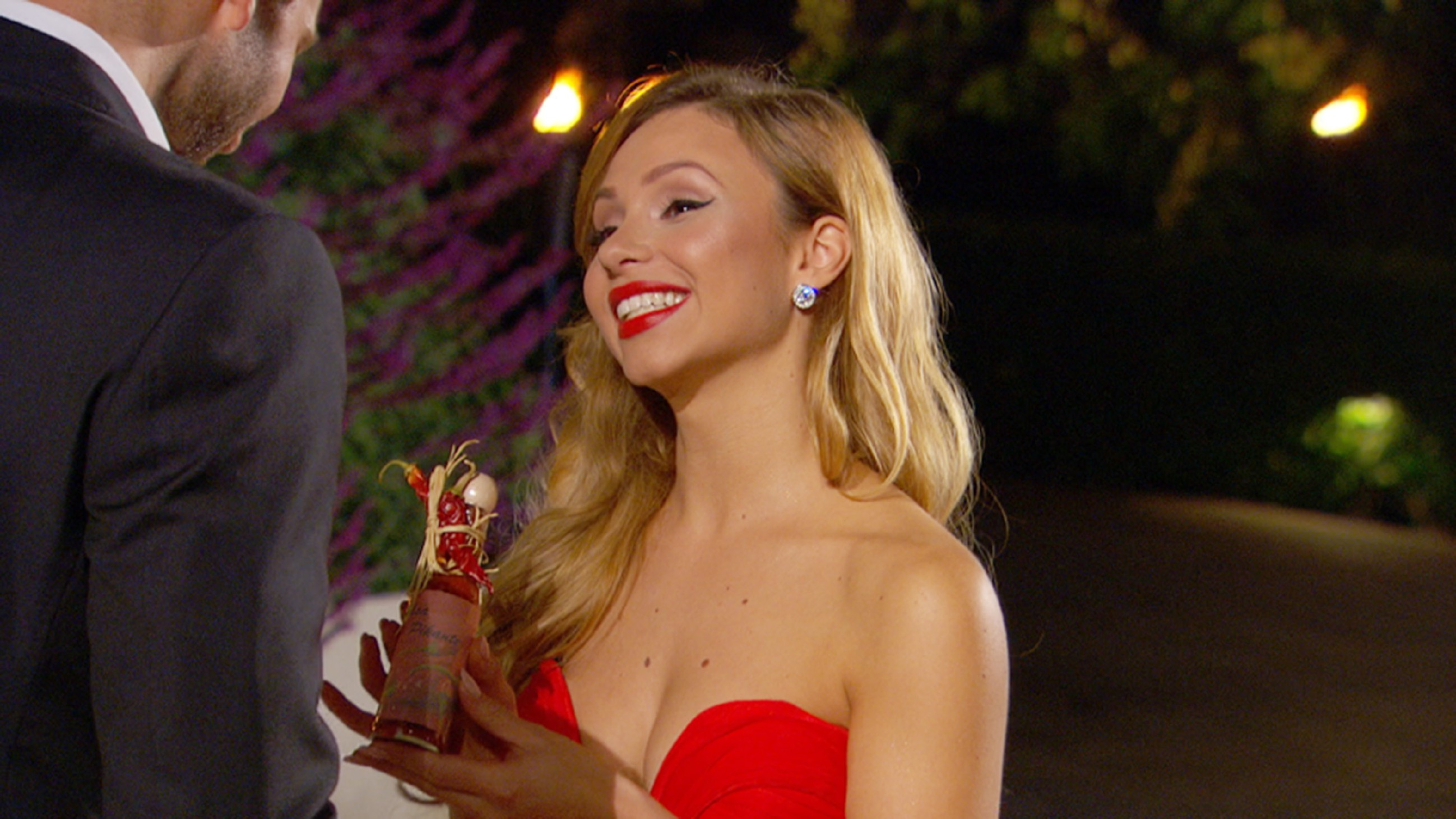 Der Bachelor 2015 - Folge 1 - Alexandra