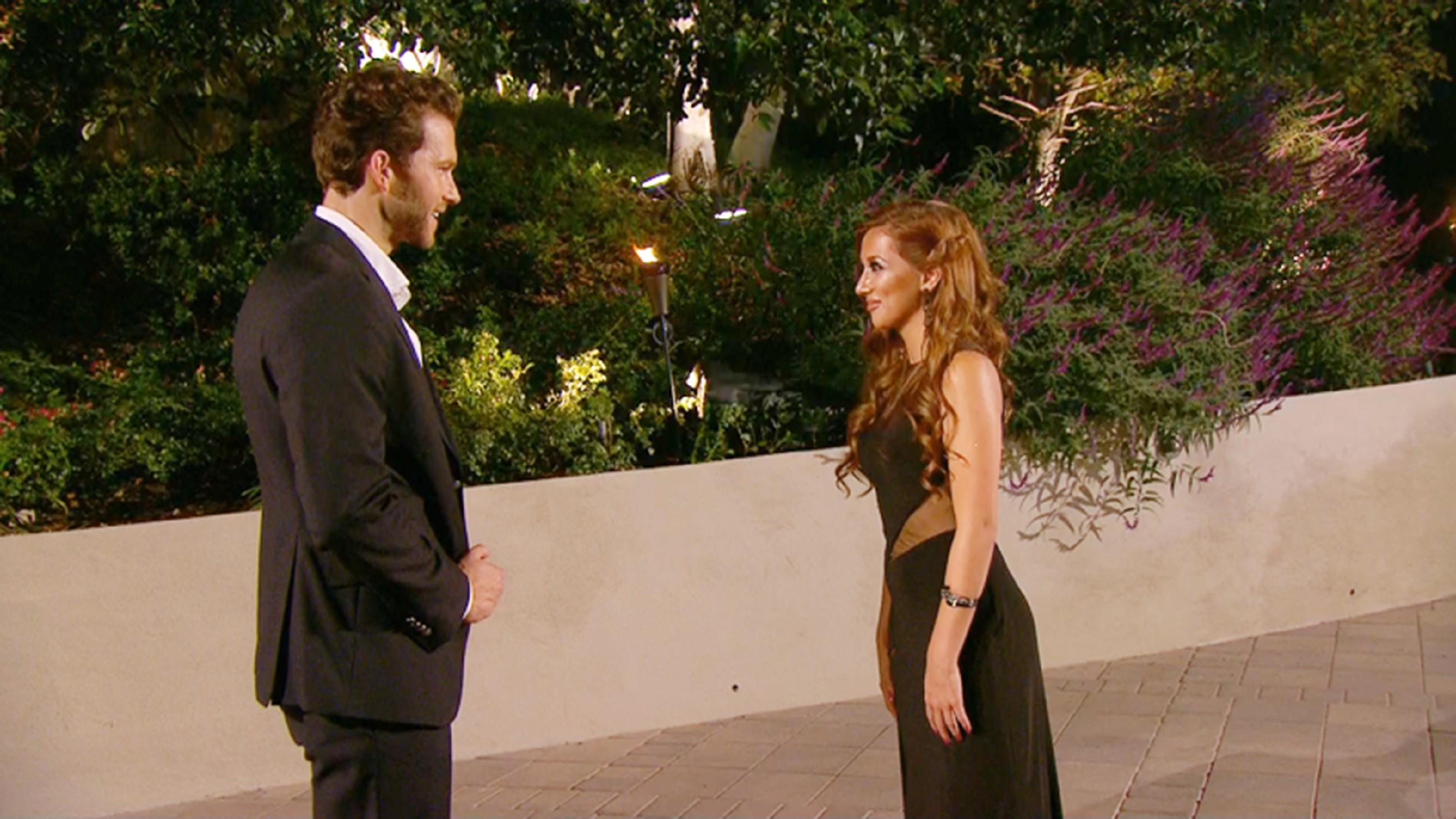 Der Bachelor 2015 - Folge 1 - Hina Jasmin