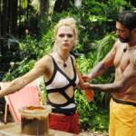 Dschungelcamp 2015 Dschungelprüfung 1 - Aurelio schmiert Sara ein