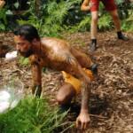 Dschungelcamp 2015 Dschungelprüfung 1 - Aurelio tanzt mit Schafshoden im Mund Limbo