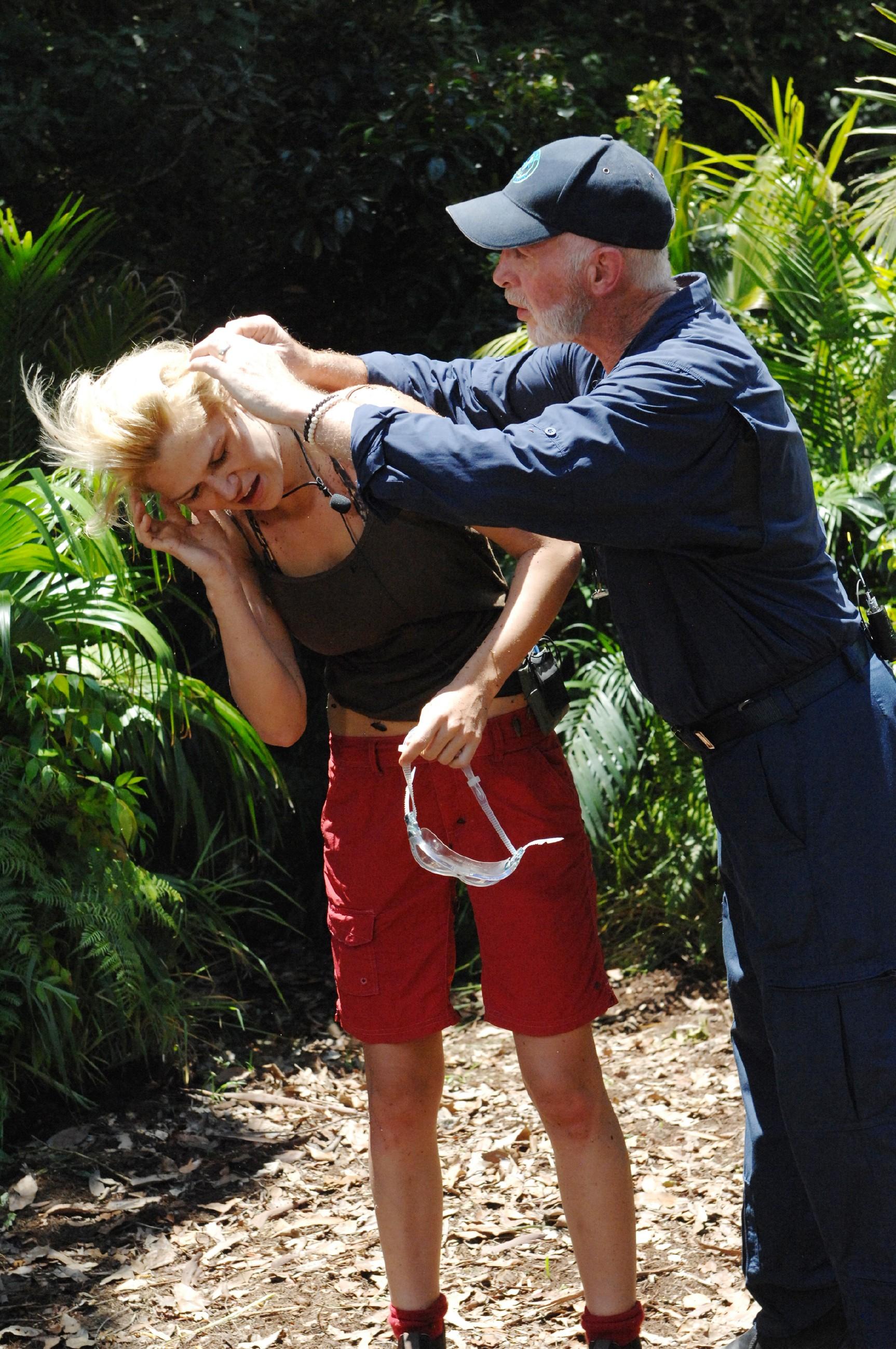 Dschungelcamp 2015 Dschungelprüfung 3 - Sara hat die Prüfung absolviert