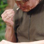 Dschungelcamp 2015 Dschungelprüfung 5 - Walter probiert einen Entenfuß
