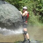 Dschungelcamp 2015 Dschungelprüfung 14 - Jörn wird vom Felsbrocken getroffen