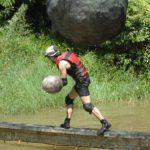 Dschungelcamp 2015 Dschungelprüfung 14 - Jörn weicht dem Felsbrocken aus
