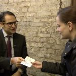 Secret Millionaire - Mehmet Akbas mit Julia Kasprzyk