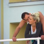 Der Bachelor 2015 Halbfinale - Liz und Oliver auf dem Balkon