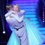 Let´s Dance 2015 Liveshow 4 - Katja Burkard ist weiter