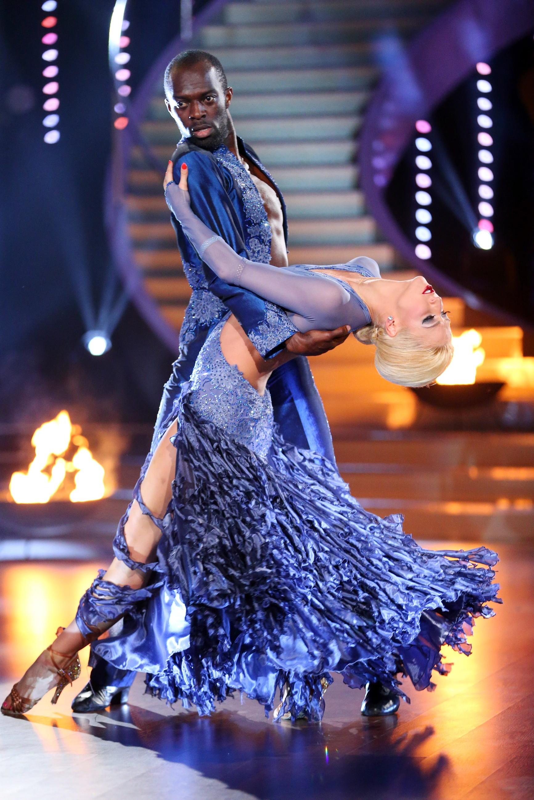 Lets Dance Liveshow 9 Hans Sarpei Und Kathrin Menzinger Stars On Tv