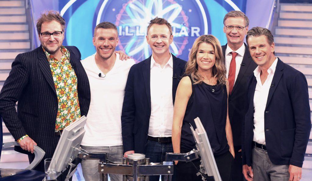v.l.: Paul Panzer, Lukas Podolski, Holger Stromberg, Anke Engelke, Moderator Günther Jauch und Markus Lanz