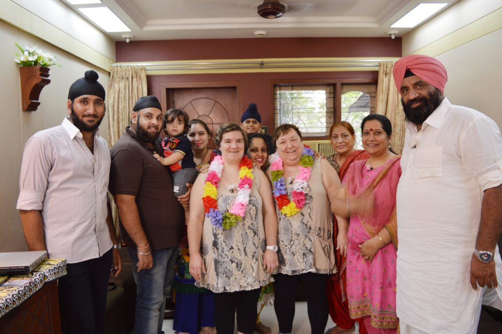 Beate und Irene zu Besuch bei Familie Sandhu in Indien.