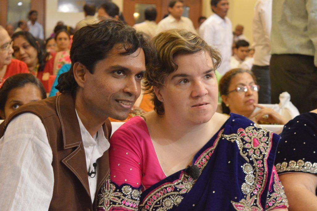 Beate und Irene tauchen in die Welt einer tradionellen indischen Hochzeit ein.