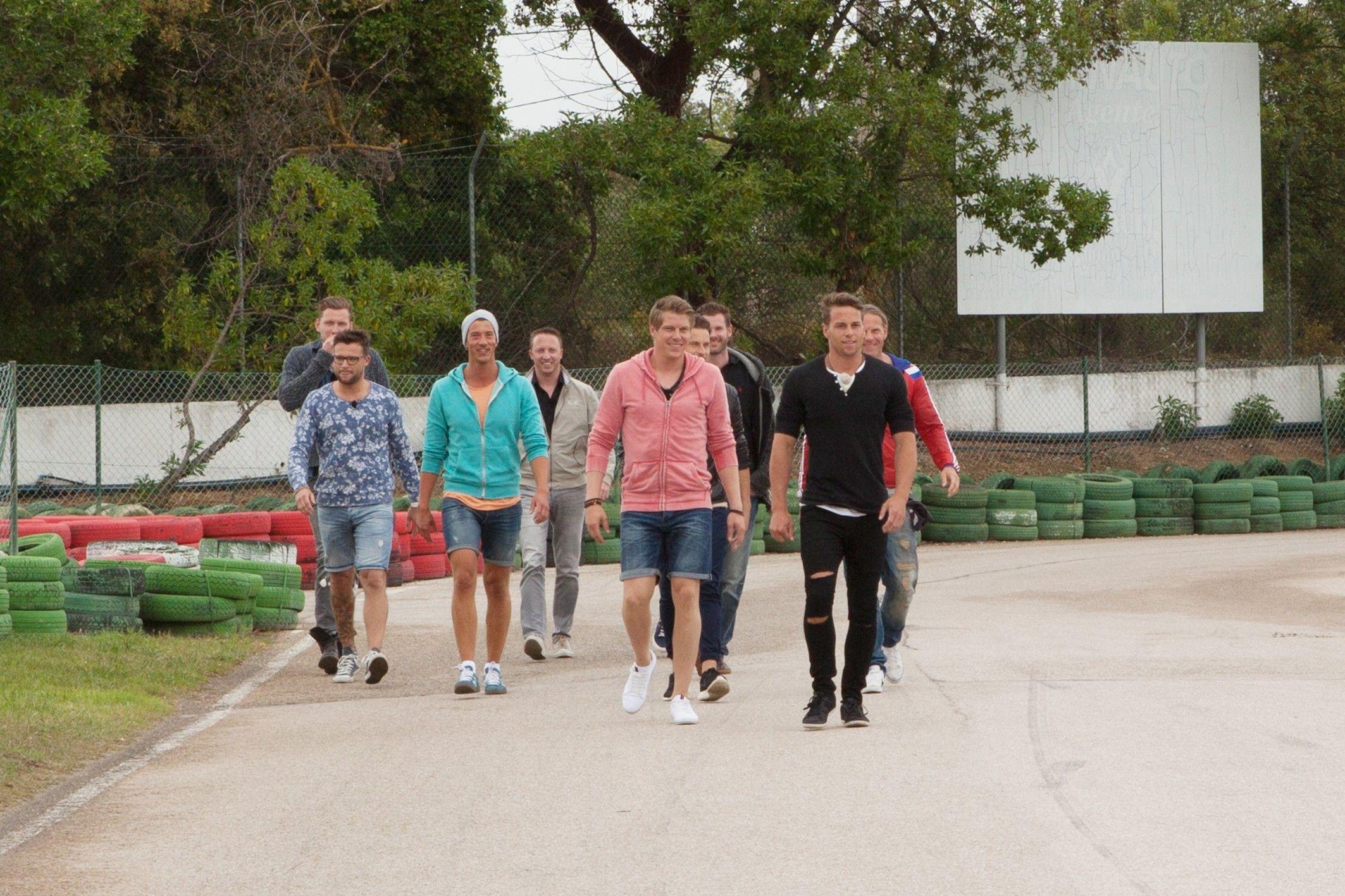 Die Bachelorette 2015 Folge 3 - 10 Jungs beim Gruppendate