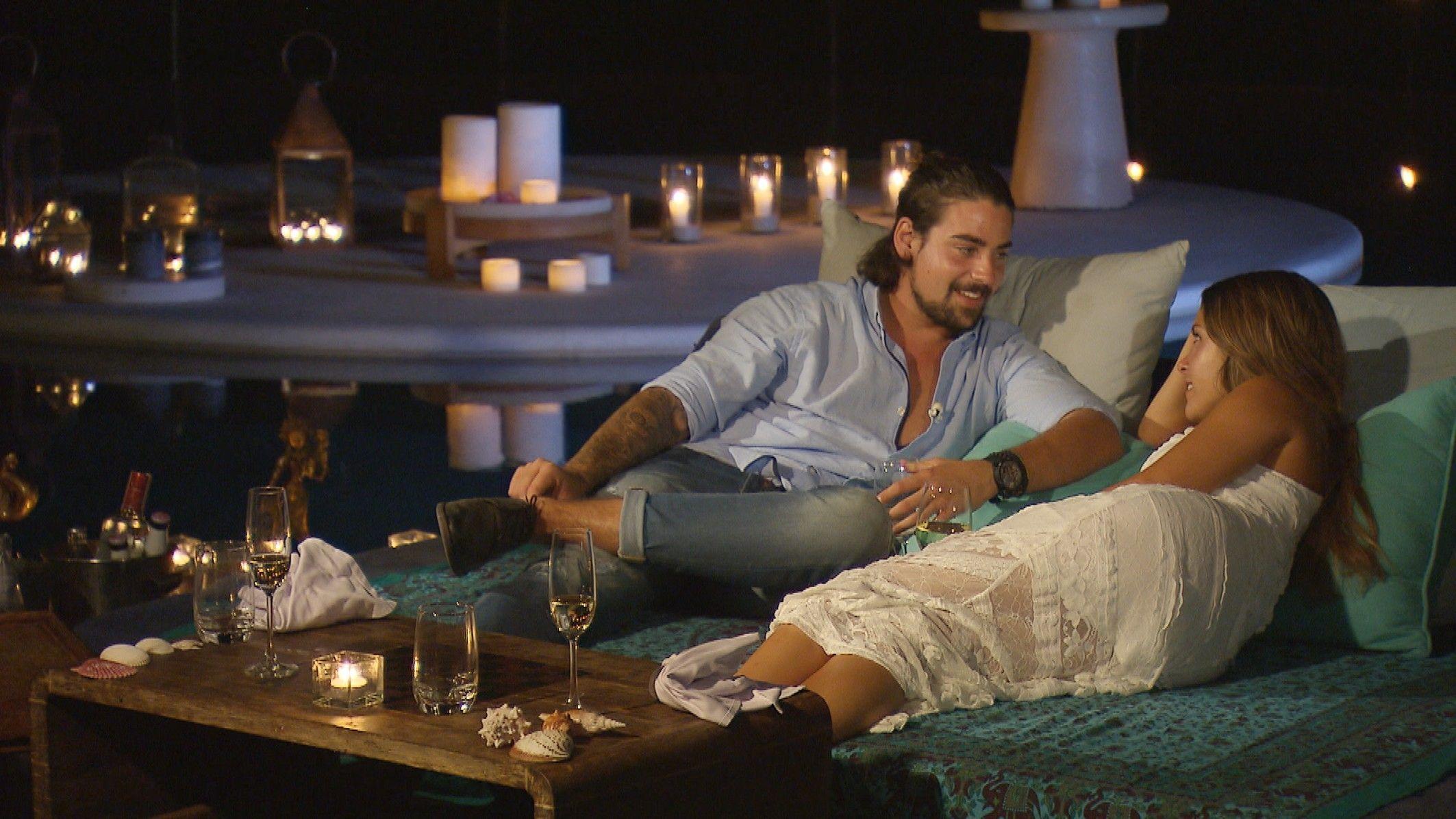 Die Bachelorette 2015 Halbfinale - Alisa und Patrick genießen die Romantik