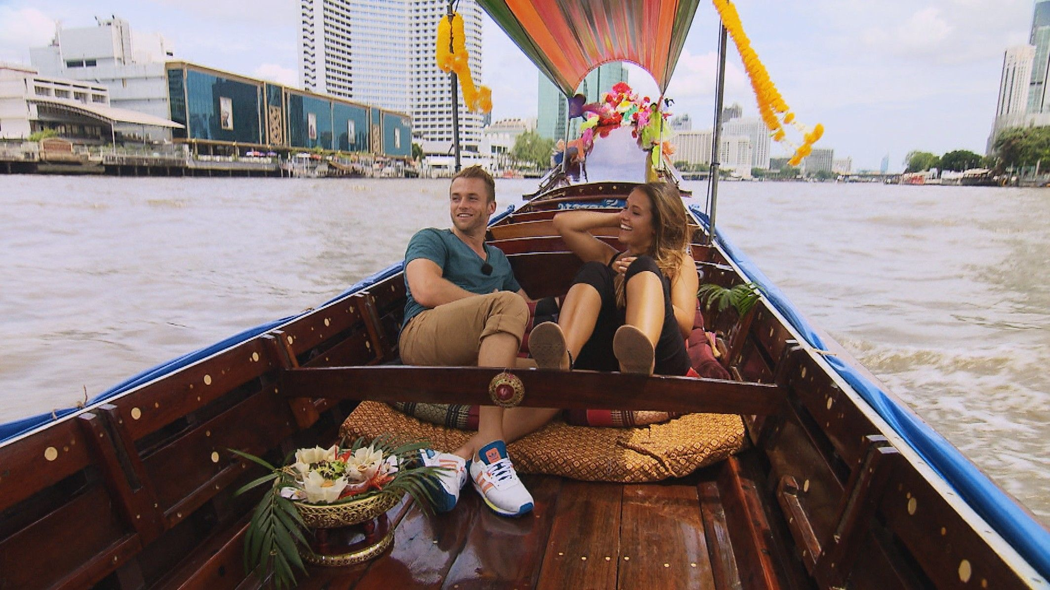 Die Bachelorette 2015 Halbfinale - Alisa und Philipp in Bangkok