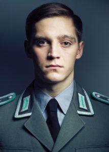 Jonas Nay spielt Martin Rauch / Moritz Stamm, © RTL / Benno Kraehahn