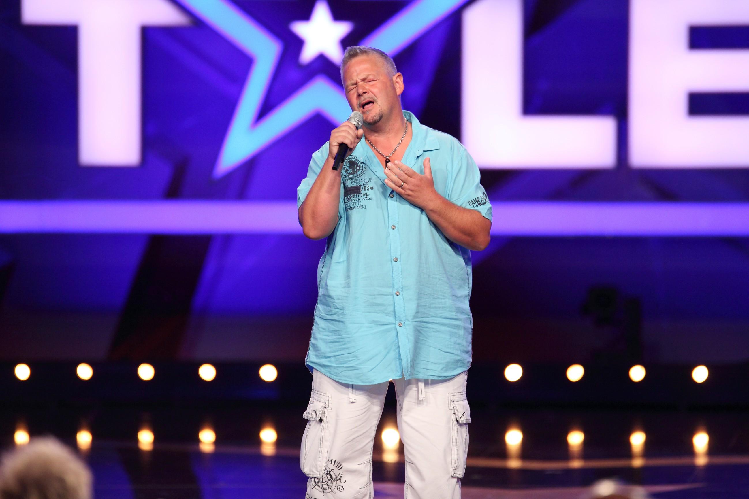 Das Supertalent 2015 Show 5 - Manuel Dobler