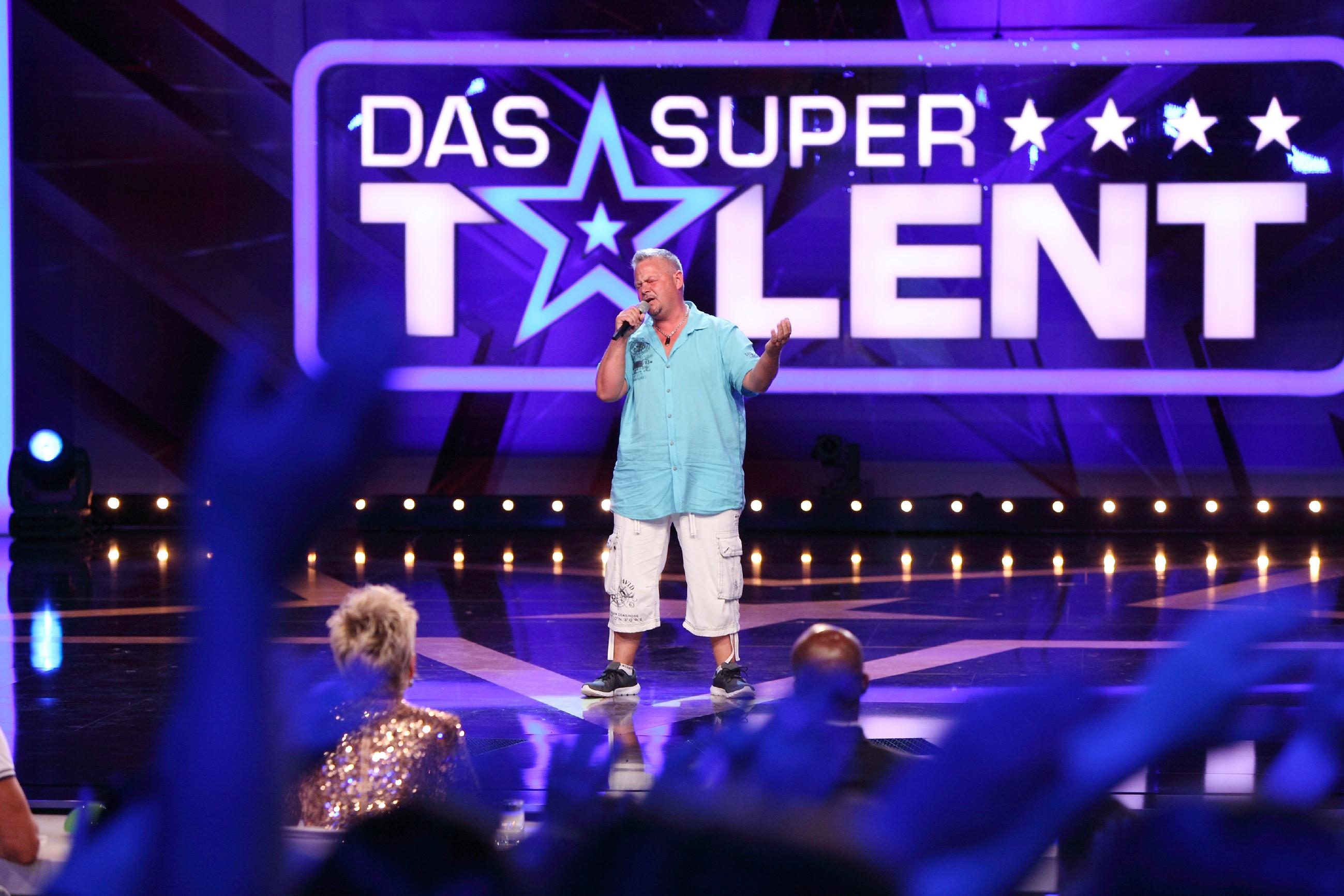 Das Supertalent 2015 Show 5 - Manuel Dobler aus Dietenheim