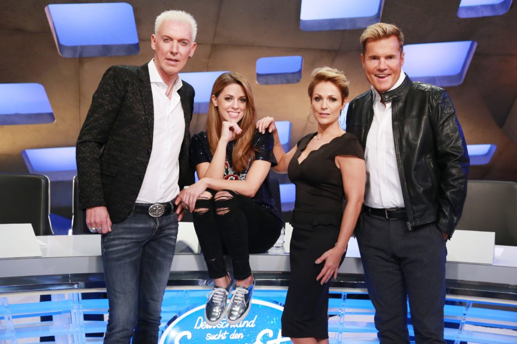 v.l. Scooter-Frontman HP Baxxter, Shooting-Star Vanessa Mai und Schlagerstar Michelle sitzen neben Dieter Bohlen in der Jury.