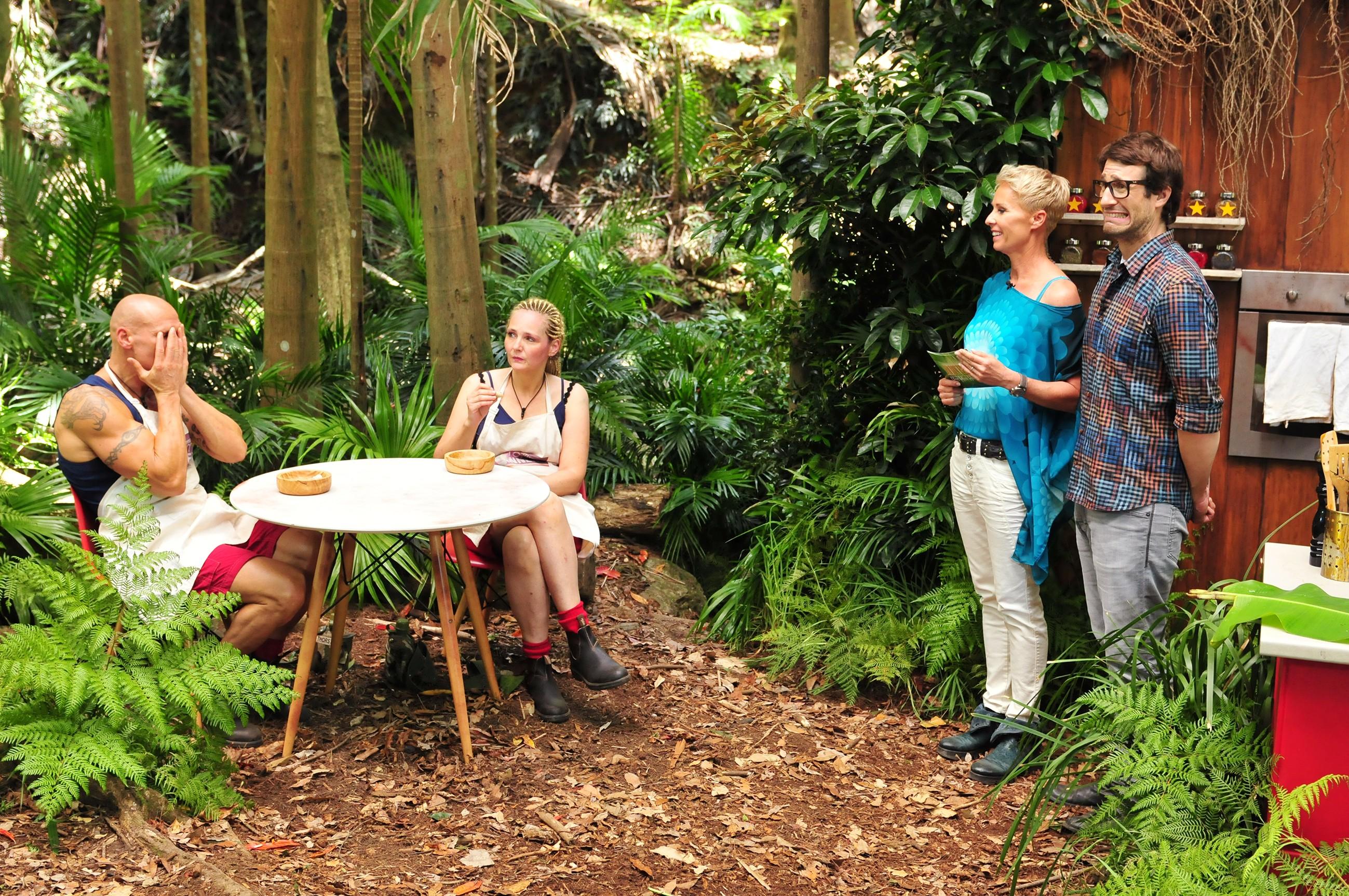 Dschungelcamp 2016 Dschungelprüfung 6 - Sonja und Daniel mit Helena und Thorsten