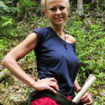 Dschungelcamp Tag 9 - Jenny Elvers bei der Schatzsuche