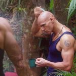 Dschungelcamp Tag 12 - Thorsten pflegt sich