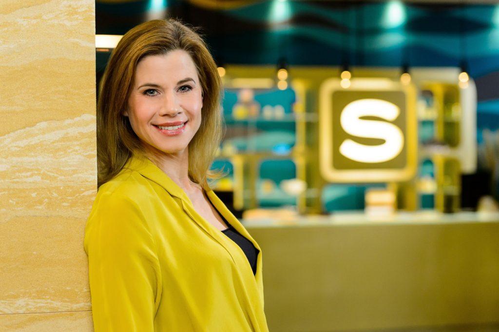 Alexandra Seefisch spielt die Rolle der Herzchirurgin Dr. Anne Loewer