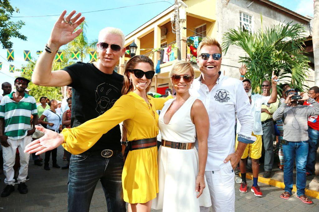 (v.l.) H.P. Baxxter, Vanessa Mai, Michelle und Dieter Bohlen auf dem Marktplatz in Falmouth / Jamaika.