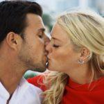 Der Bachelor 2016 Finale - Leonard und Daniela küssen sich