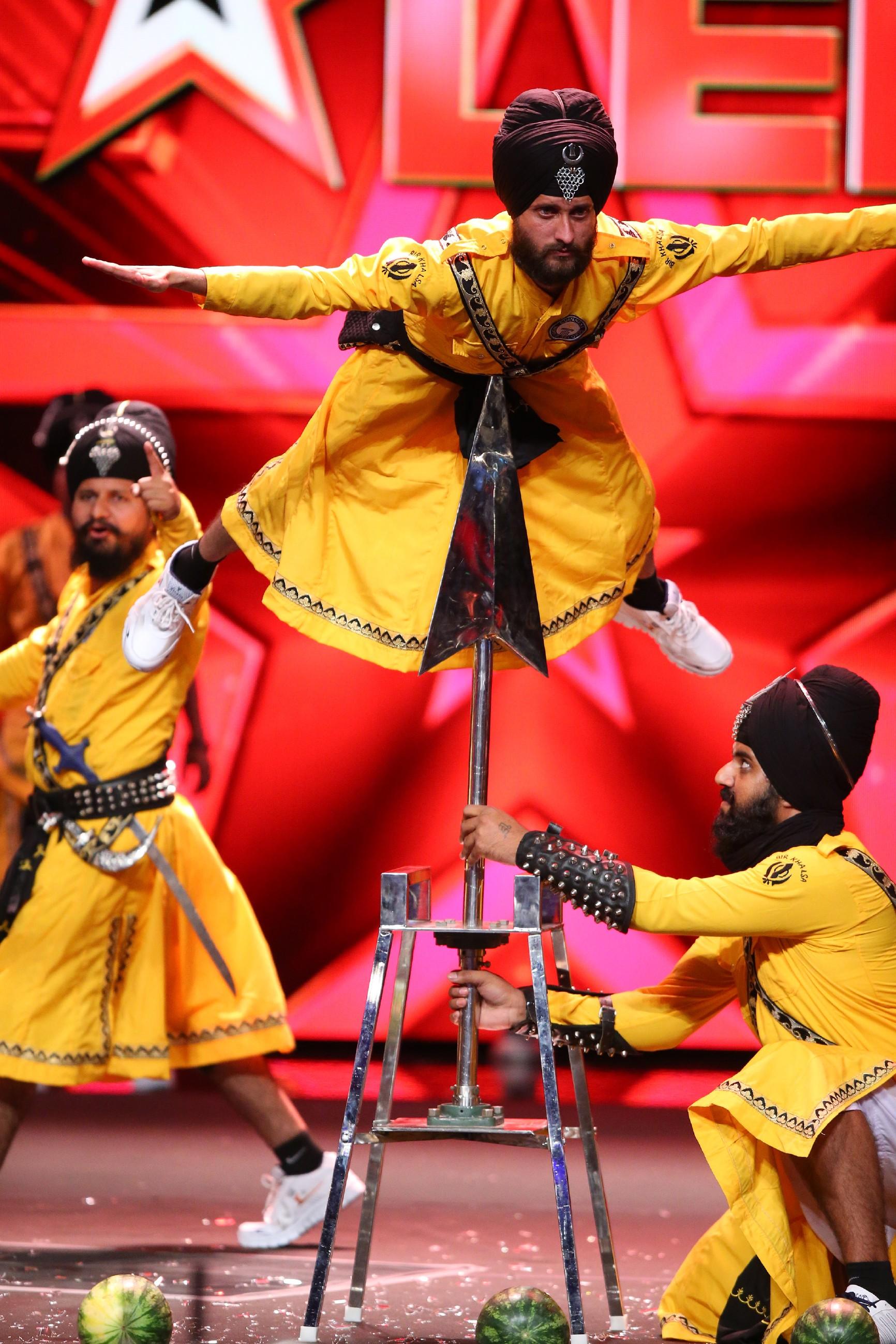 """Das Supertalent 2016 - Karamjit Singh und seine """"Bir Khalsa Group"""""""