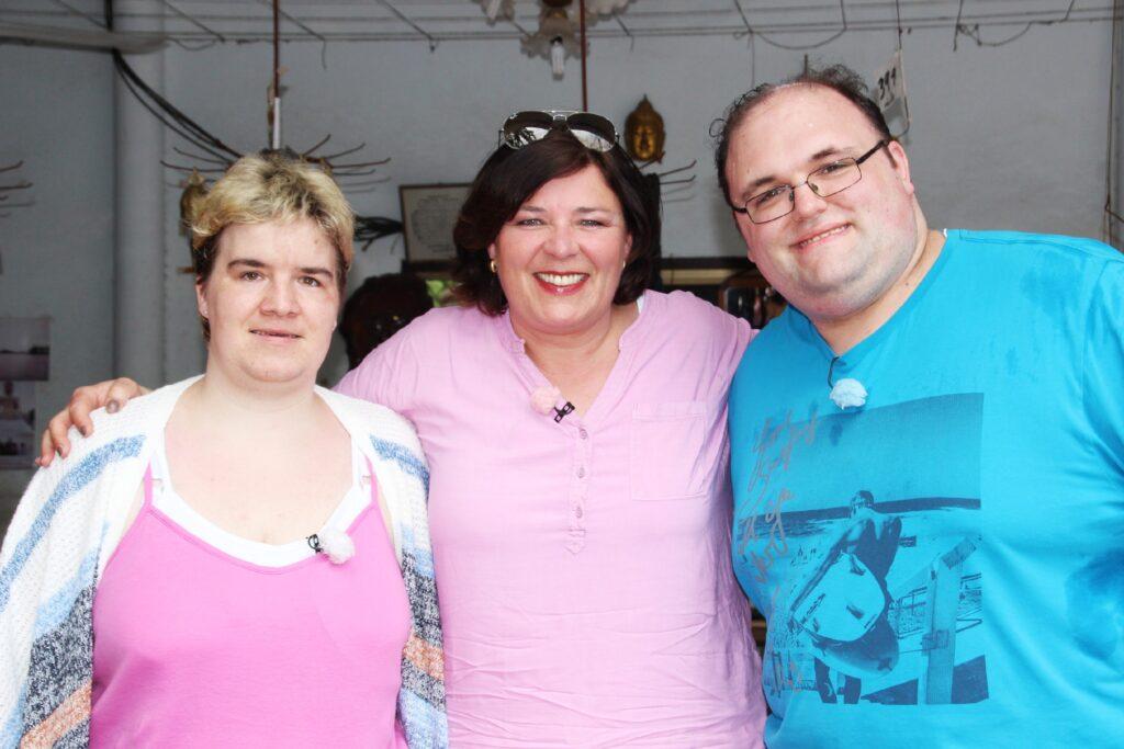 Vera Int-Veen (M.) mit Beate und Ingo