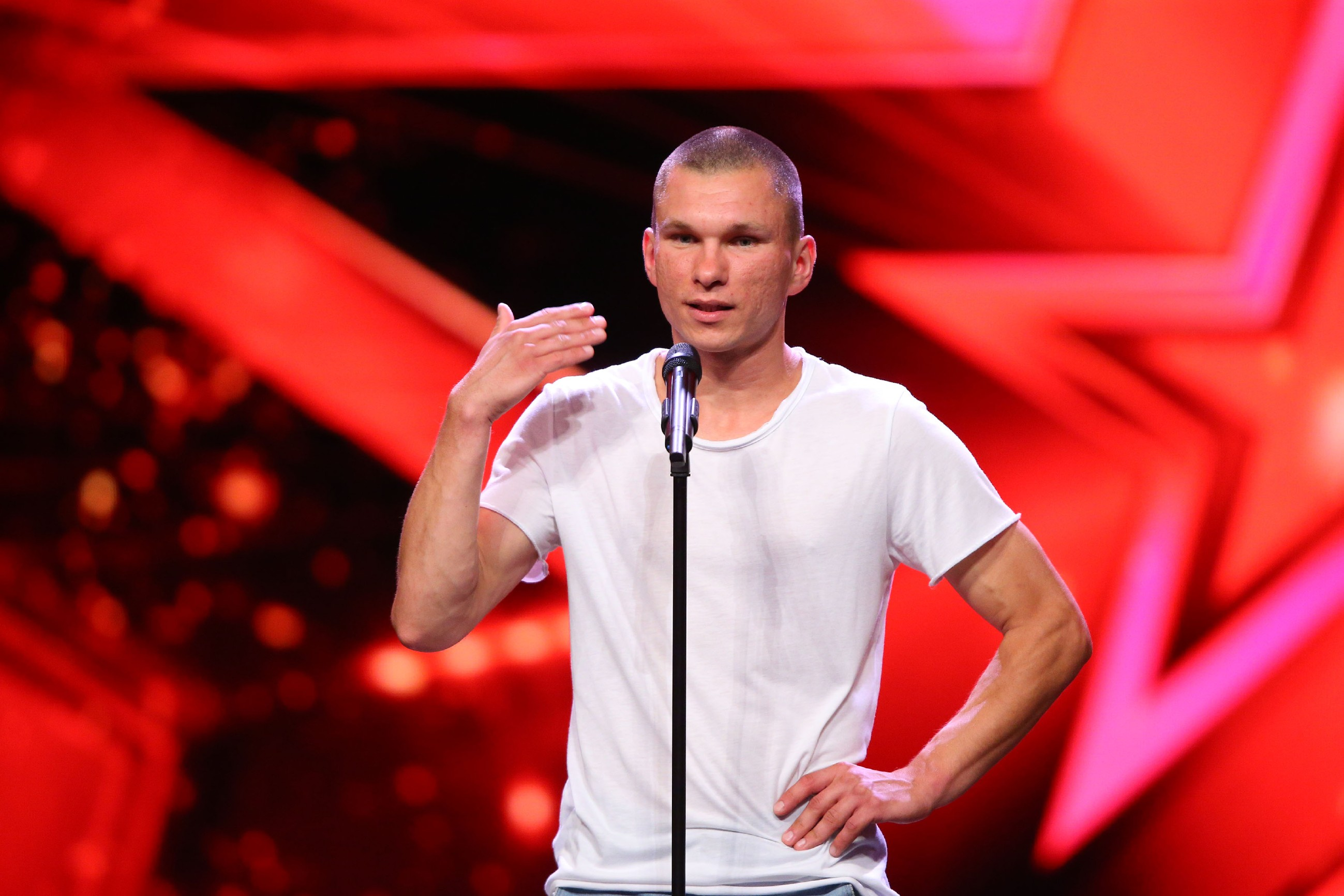 Das Supertalent 2016 Casting 2 - Lukasz Tonia